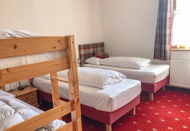 4 person bedroom